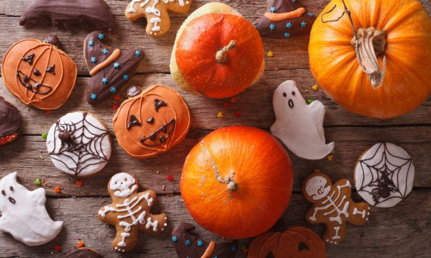 Decorating Your Table With A Halloween Theme